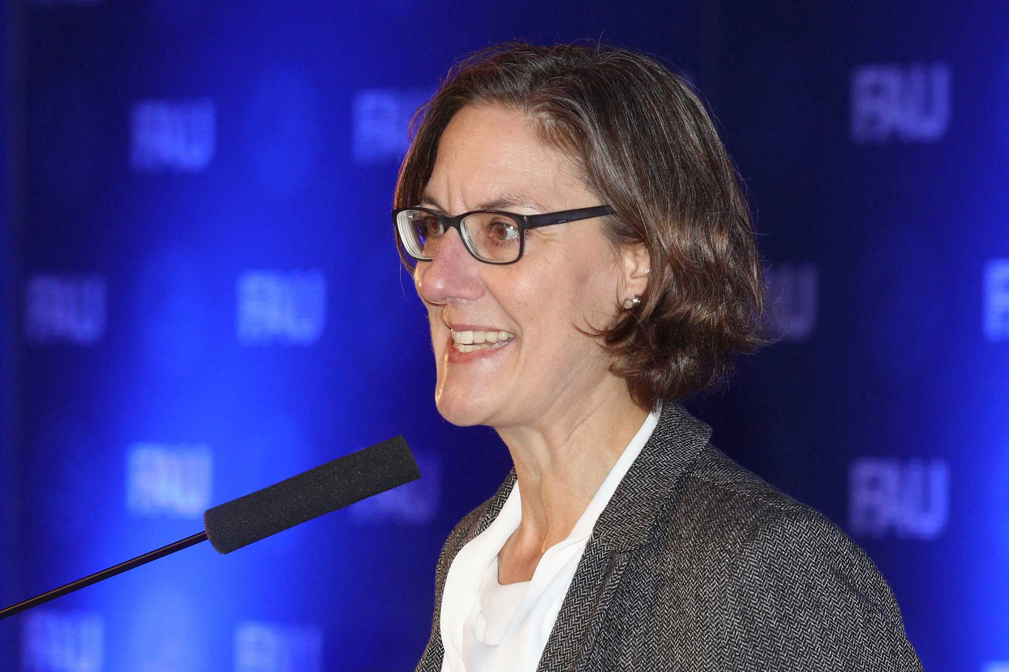 Dr. Christel Erika Meier bei ihrem Science Slam.